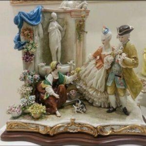 Porcellana di Capodimonte. Fiori per la mia signora.