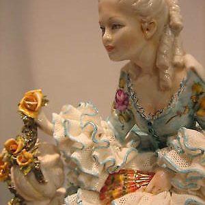 Porcellana di Capodimonte  Dama Primavera creazioni uniche