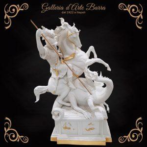 Porcellana Capodimonte. San Giorgio e il Drago. Versione Bianco e Oro.