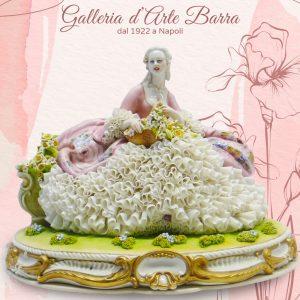 Porcellana Capodimonte. Grande Dama cesto di fiori. Versione Pizzo in porcellana