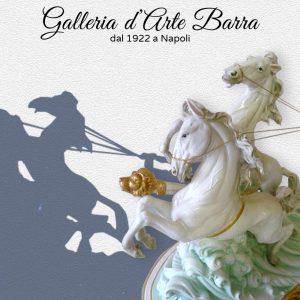 Porcellana di Capodimonte, AURORA CON BIGA.Versione Lucida  DECORATA a mano