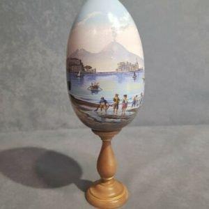 Uovo di legno decorato a mano Gouache Napoletano. ALTEZZA TOTALE CM 30
