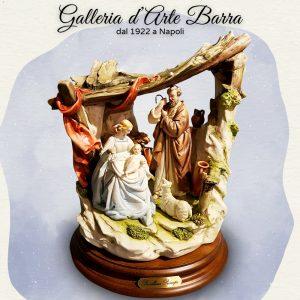 Porcellana Capodimonte. Gruppo Natività, presepe,  Sacra Famiglia con capanna.