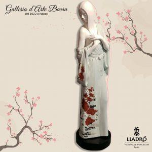Porcellana Artistica.By Lladró. Figura la ragazza del Dragone. Porcellana Bianca