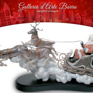 Porcellana Artistica By Lladró. Scultura Il viaggio di Babbo Natale.