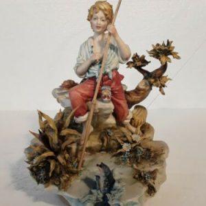 Porcellana di Capodimonte.  IL Pescatore bimbo.