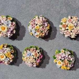 Porcellana Capodimonte piccole coppette di fiori in miniatura (prezzo singola coppetta)