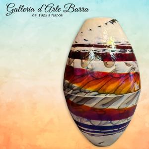 Meravigliosa Vaso ovale collezione Zaire in vetro di murano Color Avorio intarsio nero, spirale rosso + marrone + madreperla
