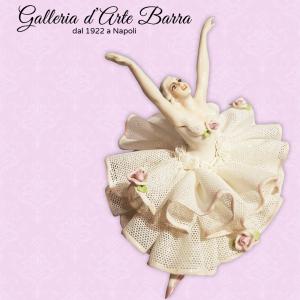 Porcellane Capodimonte collezione FABRIS Ballerina di pizzo in porcellana.