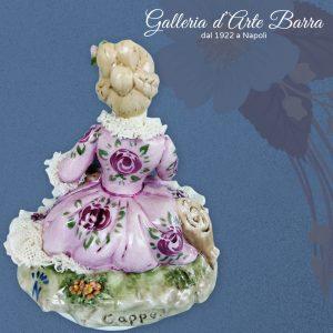 Porcellana Capodimonte. Splendida damina in Miniatura abito decoro rosa + pizzo