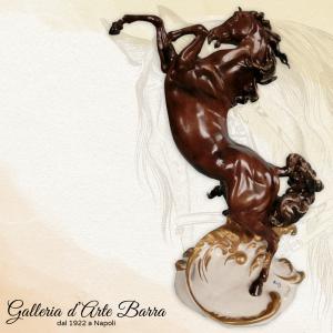 Porcellana di Capodimonte, Cavallo rampante. La Perfezione Assoluta
