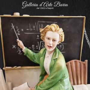 Porcellana di Capodimonte. La Maestra. Insegnante. The Teacher.