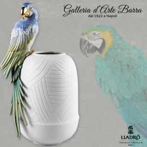 Porcellana artistica by Lladró. Vaso con pappagalli