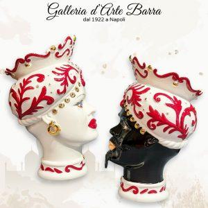 Porcellana Capodimonte. Coppia Teste di Mori Vasi bianchi e rosso particolari oro