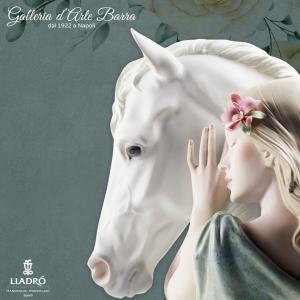 Lladró  Porcellana artistica Lladro. Scultura Donna con cavallo, compagno fedele