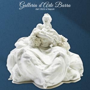 Porcellana Capodimonte. Maternità in Biscuit (Porcellana laccata bianco lucida)