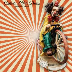 Porcellana di Capodimonte CLOWN velocipede
