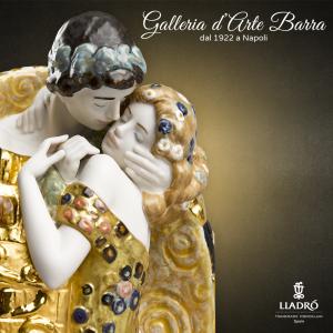 Lladró  Porcellana artistica by Lladrò Scultura Coppia Il bacio di Klimt in Oro