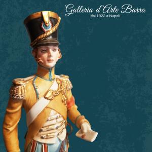 Porcellana Capodimonte Soldato Ufficiale, Officier del 1808 serie Napoleonica.