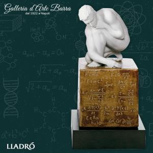 Lladró Porcellana artistica in Biscuit. La Scienza. Con Base legno attaccata.