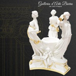 Porcellana Capodimonte in Bianco, Biscuit, Centro tavola, Danza attorno al pozzo.